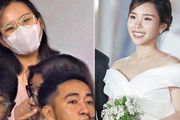 Vợ sắp cưới của Công Phượng kín đáo khi đến sân cổ vũ TP.HCM đấu Hà Nội FC