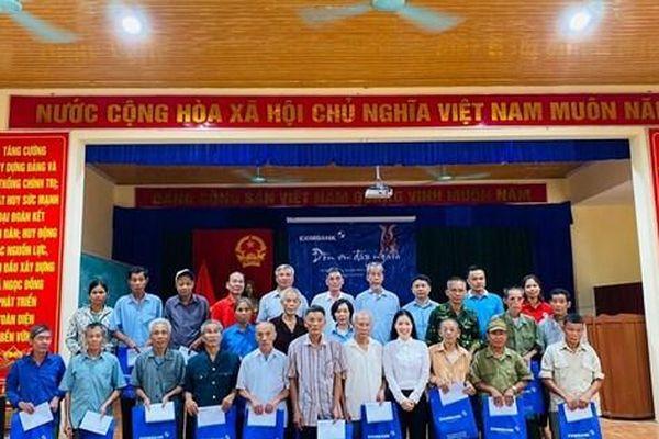 Eximbank tiếp tục triển khai hoạt động về nguồn tại tỉnh Phú Thọ