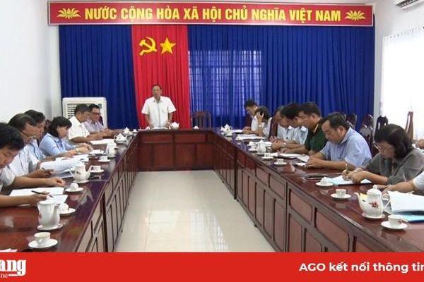 Tổ đại biểu HĐND tỉnh An Giang đơn vị số 10 thảo luận, đóng góp dự thảo báo cáo chính trị trình Đại hội Đảng bộ tỉnh
