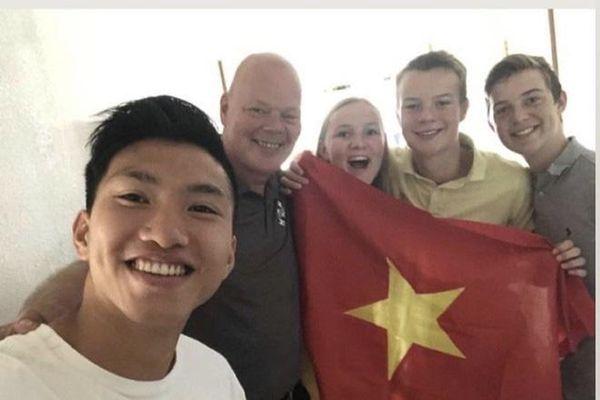 Chùm ảnh: Đoàn Văn Hậu về Việt Nam trên chuyến bay từ Pháp, chuẩn bị cách ly 14 ngày