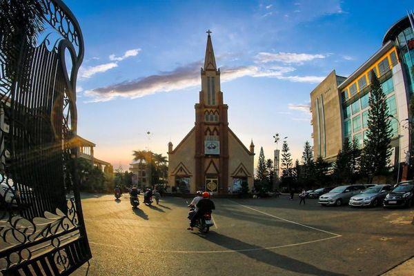 Đồng Nai: Giáo phận Xuân Lộc tạm ngưng Thánh lễ cộng đồng