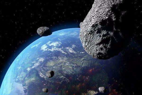 Ngả mũ thán phục hai nữ sinh lớp 10 giúp NASA phát hiện ra tiểu hành tinh đang di chuyển hướng về Trái Đất