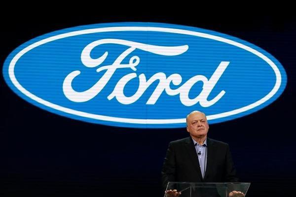 Tại sao Ford lại 'thay tướng'?