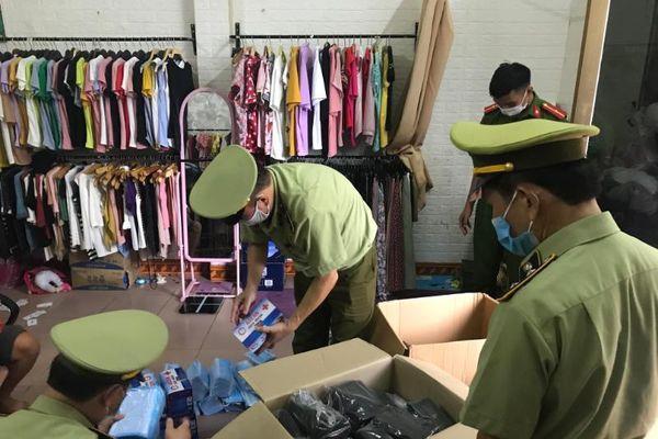 Lạng Sơn: Tạm giữ gần 5.000 chiếc khẩu trang không rõ nguồn gốc