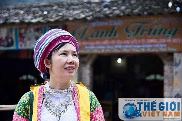 'Thổi hồn' vào lanh trắng giúp phụ nữ dân tộc Mông thoát nghèo