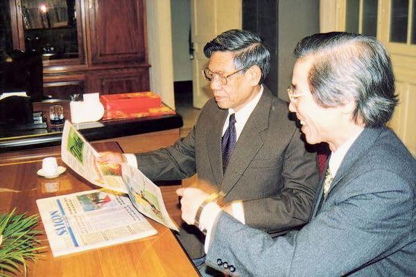 Đồng chí Lê Khả Phiêu với Báo Sài Gòn Giải Phóng