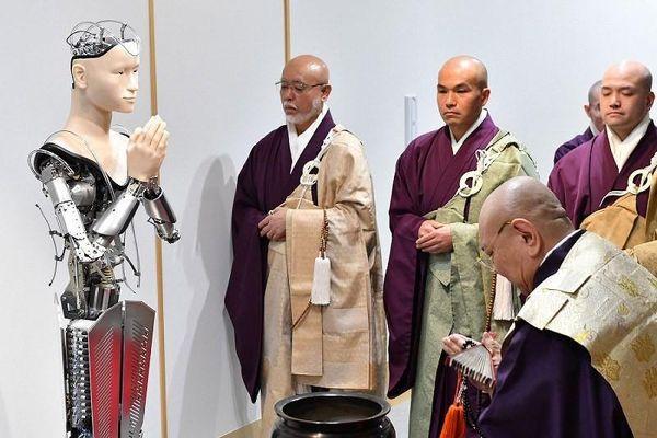Robot thay 'thầy tu' thuyết giảng Phật giáo tại Nhật Bản
