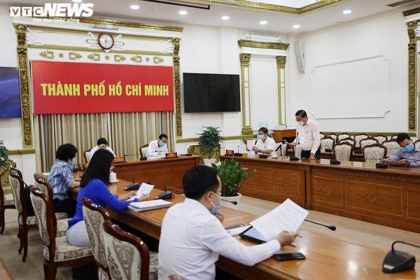 TP.HCM xử phạt hơn 2.000 người không đeo khẩu trang nơi công cộng