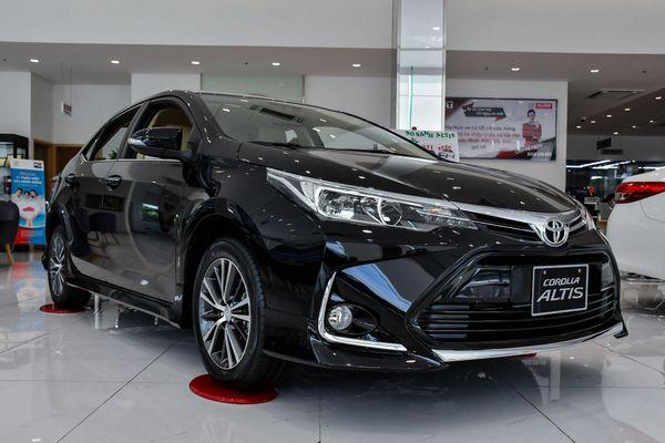 Chi tiết Toyota Corolla Altis 2020 giá từ 733 triệu đồng tại Việt Nam