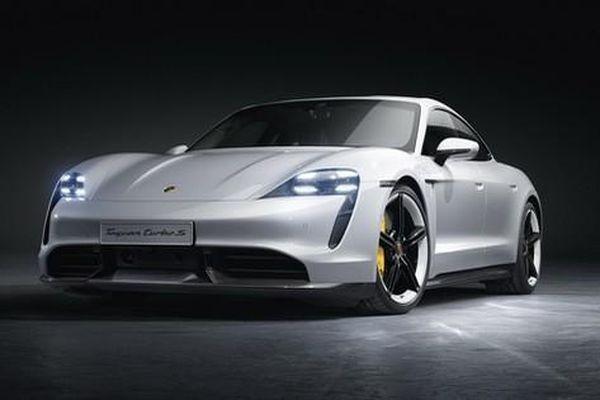 Ra mắt chưa lâu, Porsche Taycan đã được ưu ái nâng cấp phiên bản mới