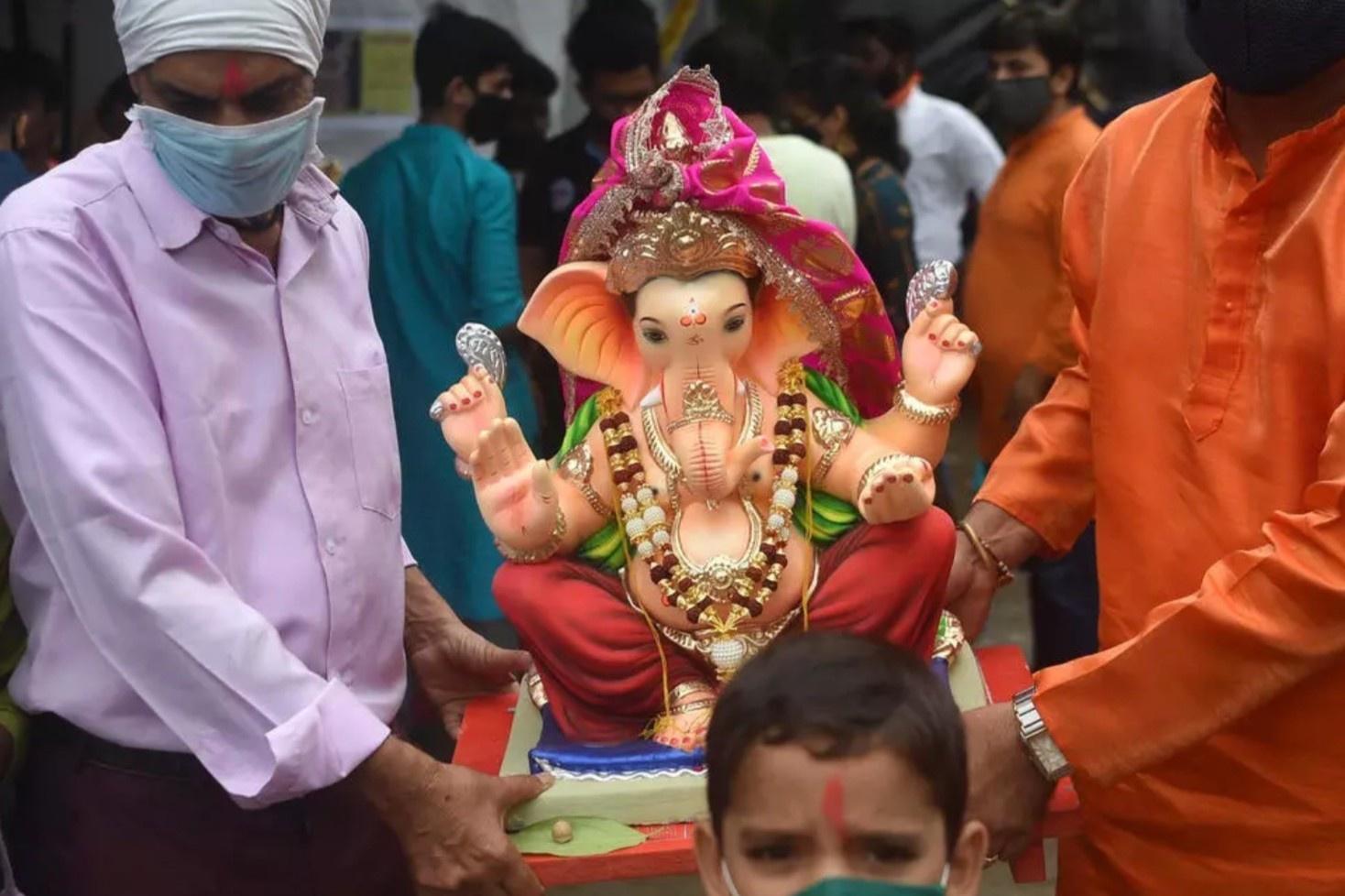Thu nhỏ tượng voi thần để tránh tụ tập ở Ấn Độ
