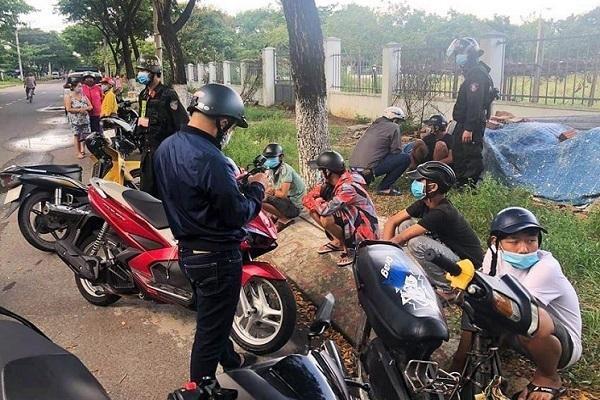 Cảnh sát Đà Nẵng nổ 2 phát súng chỉ thiên trấn áp 2 nhóm đánh nhau