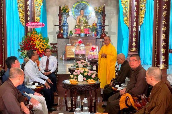 Bình Thuận : Lãnh đạo chính quyền chúc mừng Vu lan