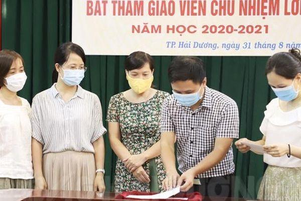 TP Hải Dương: Bốc thăm giáo viên chủ nhiệm
