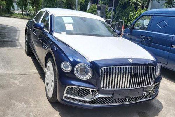 Cận cảnh Bentley Flying Spur thế hệ mới vừa về Việt Nam, giá trên 30 tỷ đồng