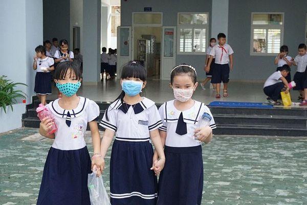 Học sinh nghèo vui với trường mới