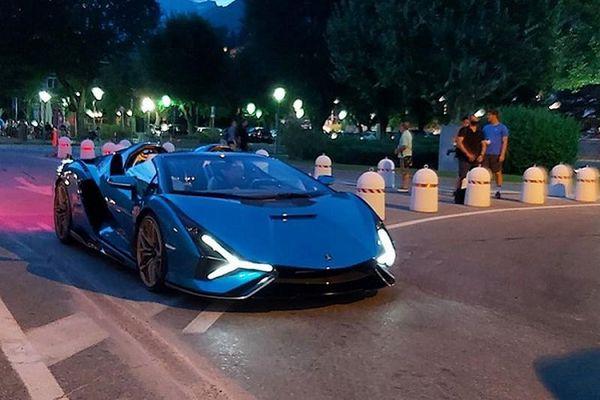 Lamborghini Sían mui trần hơn 85 tỷ đồng lần đầu lăn bánh