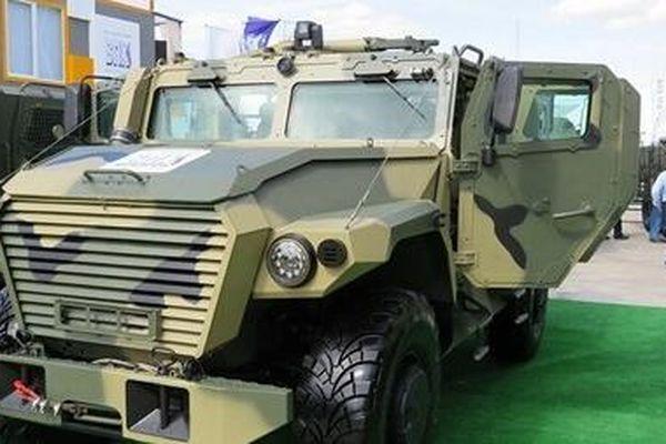 Những cỗ xe bọc thép tiện lợi của Nga