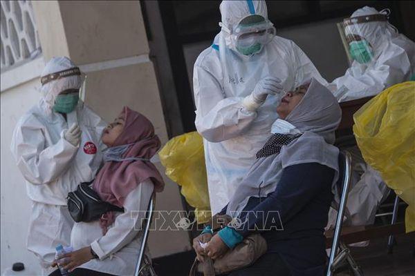 Indonesia ghi nhận trên 3.300 ca mắc COVID-19