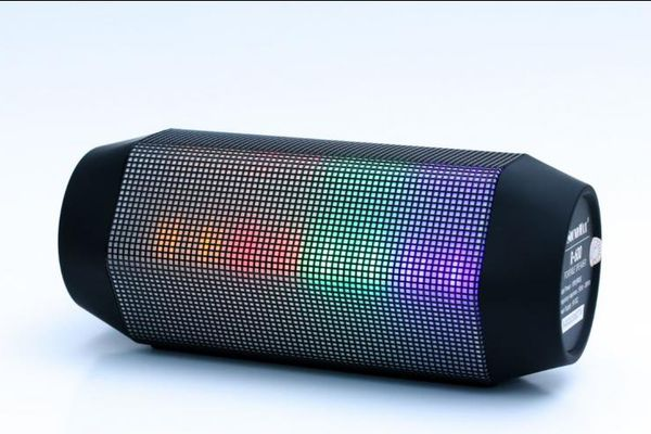 SoundMax R-600: Dòng loa Bluetooth trẻ trung, sành điệu