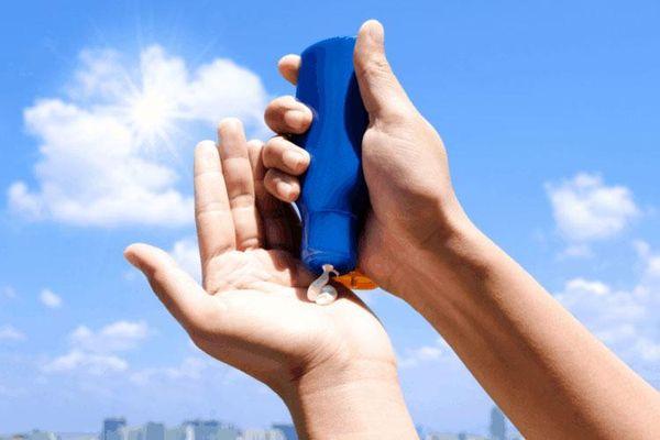 Những sai lầm khi bôi kem chống nắng khiến làn da ngày càng xỉn, cháy sạm