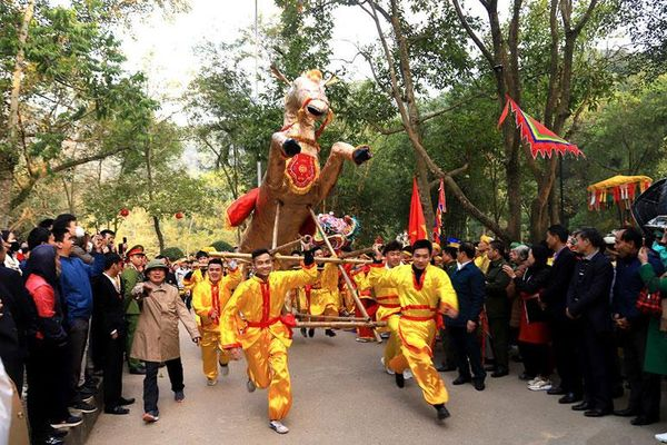 Lễ hội truyền thống: Chuyển mình để hội nhập