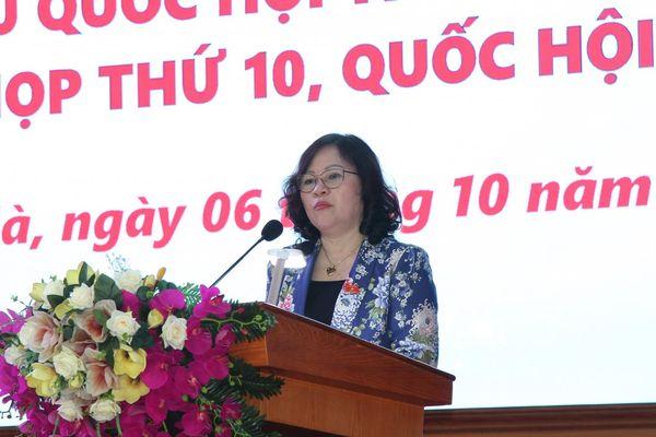 Thứ trưởng Bộ GD&ĐT Ngô Thị Minh tiếp xúc cử tri tỉnh Quảng Ninh