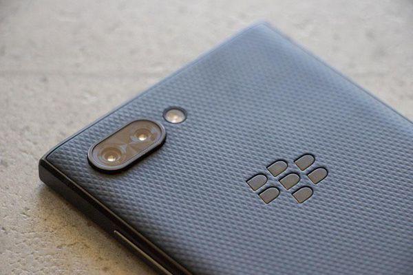 BlackBerry Key2 giảm giá 5,6 triệu đồng tại Việt Nam
