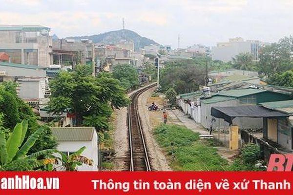 Giữ an toàn khi sống cạnh đường ray