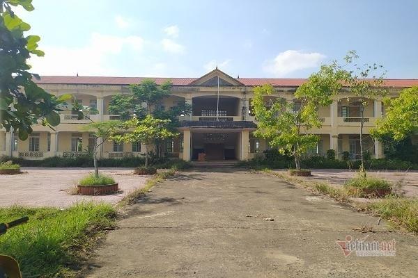 Trường học bị bỏ hoang ở Hà Tĩnh: Vì sao 5 năm chưa có phương án xử lý?