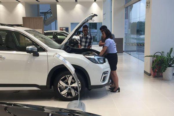 Các hãng ô tô đang tồn kho lớn, giá sẽ giảm sốc?