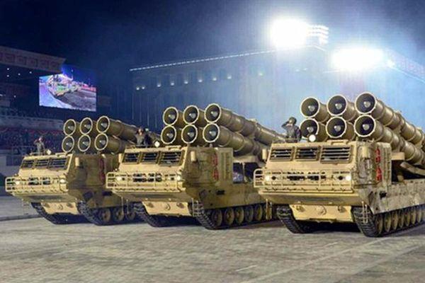 Trước đêm duyệt binh khoe vũ khí mới, nguồn gốc sức mạnh Triều Tiên ở đâu?
