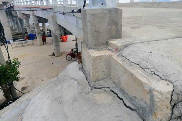 Huế: Công trình hơn 39 tỷ đồng vừa mới hoàn thành 4 tháng đã nứt toác