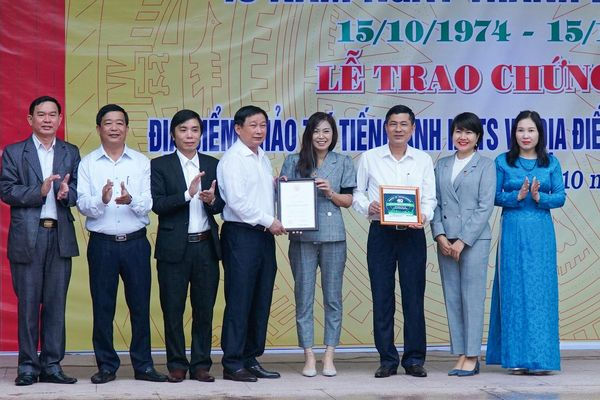 Nghệ An: Trường THPT chuyên Phan Bội Châu được công nhận là điểm thi IELTS và tiếng Nhật JLCAT