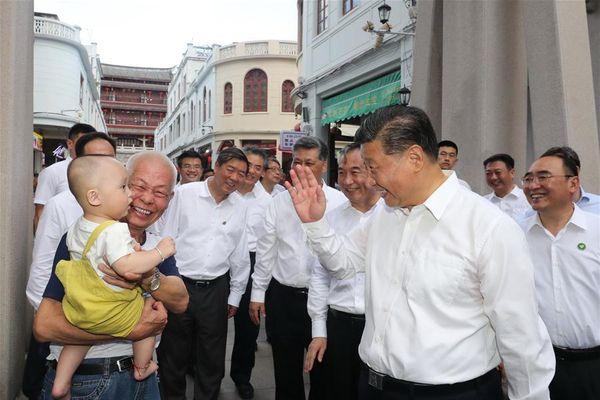 Ông Tập thị sát tỉnh Quảng Đông, kêu gọi người dân lạc quan