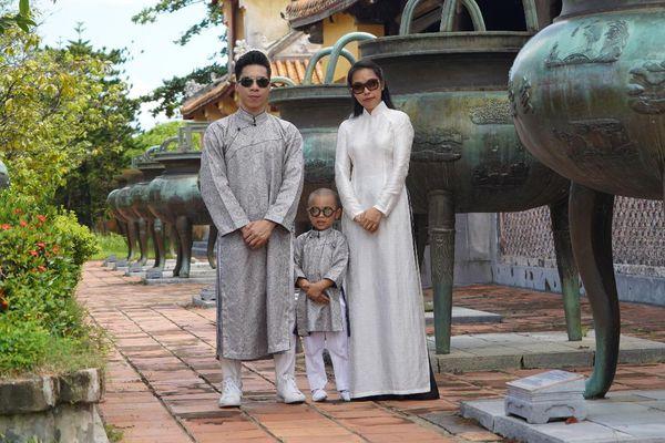 Gia đình Quốc Nghiệp – Ngọc Mai chia sẻ khoảnh khắc tại Huế, kêu gọi cộng đồng hướng về miền Trung