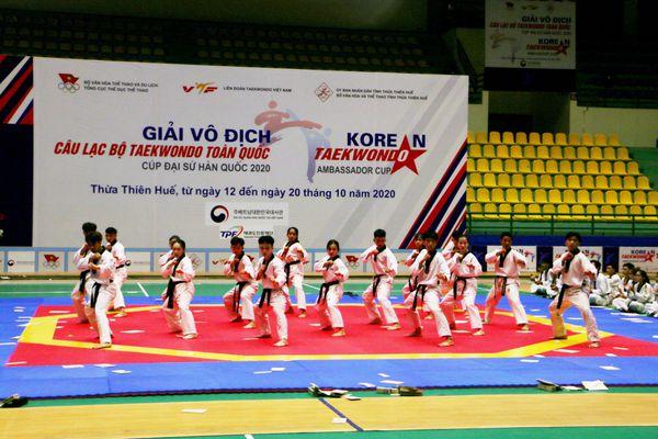 Hơn 730 VĐV dự giải vô địch Taekwondo tranh cúp Đại sứ Hàn Quốc