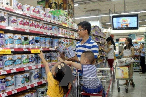 Quản lý giá sữa cho trẻ em dưới 6 tuổi: Cân bằng lợi ích