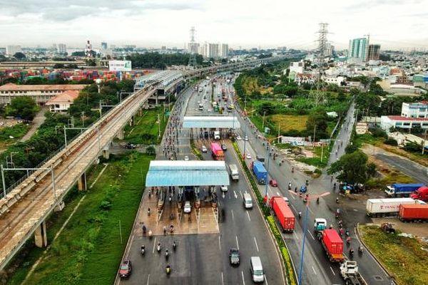 FDI vào Việt Nam: Phải không có tiền gầm bàn, chi phí không chính thức