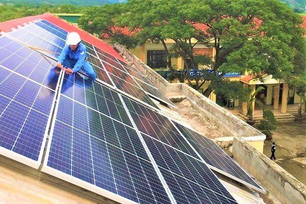 EVNCPC lắp đặt hệ thống điện mặt trời mái nhà cho trường học tỉnh Khánh Hòa