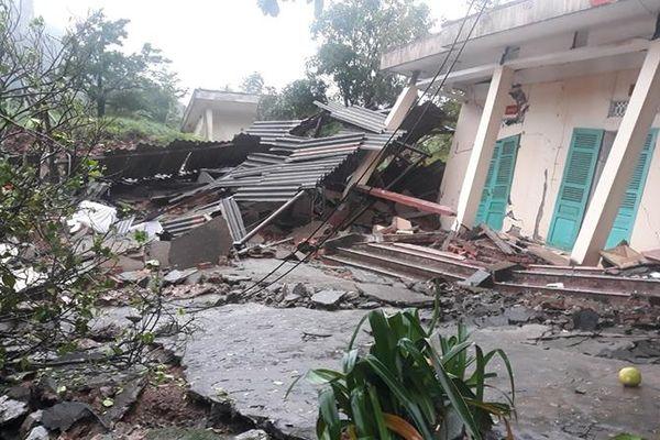 Quảng Bình: Sạt lở đồi ở Đồn Biên phòng CKQT Cha Lo