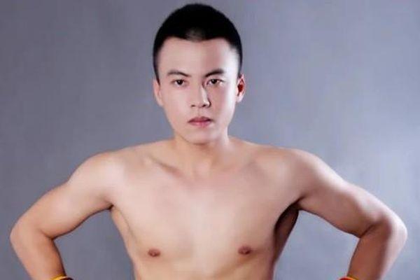 Võ sĩ Muay Thái thách đấu cả môn phái Vịnh Xuân