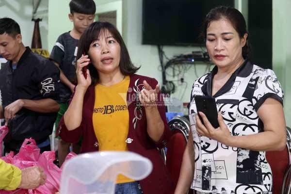 Cô hiệu phó nấu hàng ngàn suất cơm cho bà con vùng ngập lũ ở Quảng Bình