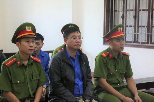Vụ gian lận thi ở Hòa Bình: Cựu Trưởng phòng an ninh được giảm án