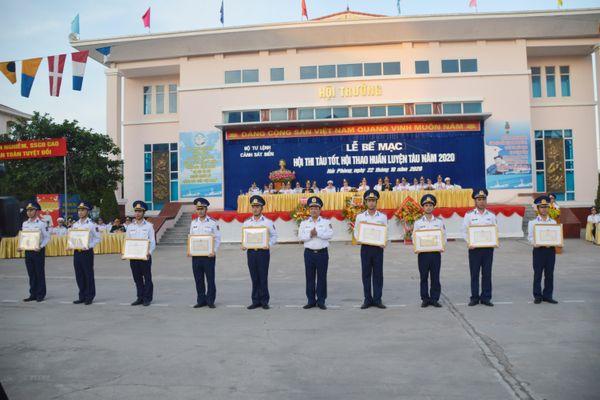 Ngày hội đua tài dành cho những con tàu của lực lượng cảnh sát biển