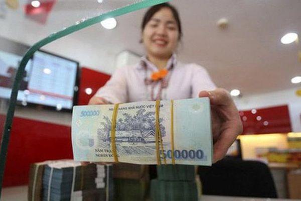 Thừa tiền, ngân hàng có nên 'mạnh tay' giảm lãi suất?