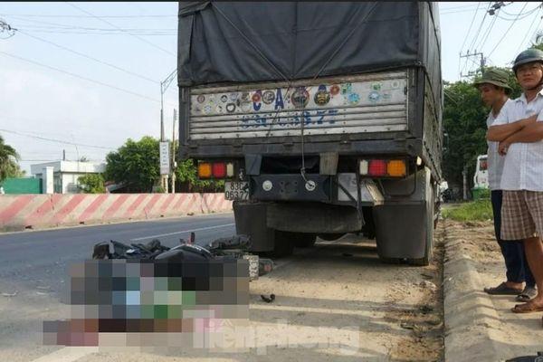 Tông vào đuôi xe tải đang dừng ven đường, nam thanh niên tử vong tại chỗ
