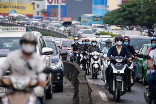 Cấm cầu Nguyễn Hữu Cảnh 6 tháng