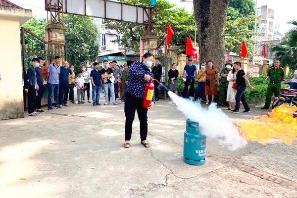 Huyện Mê Linh tuyên truyền, tập huấn kiến thức phòng chống cháy nổ cho người dân
