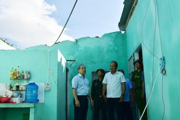 Thừa Thiên Huế: Khẩn trương hỗ trợ người dân khắc phục thiệt hại do bão số 9